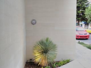 Garden by 2PUNTO74, Modern