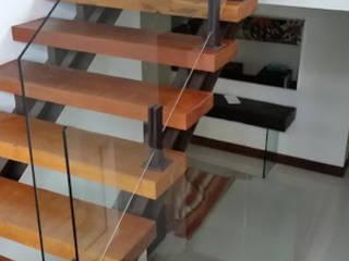 Condomínio Sta. Mônica Jardins RJ por Esquadrize - Soluções em Alumínio e Vidros Moderno