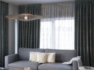 Elegant living area Salones de estilo escandinavo de Isabel Gomez Interiors Escandinavo