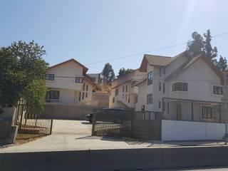 Habitar la ladera: Condominios de estilo  por Andes Arquitectura & Construcción