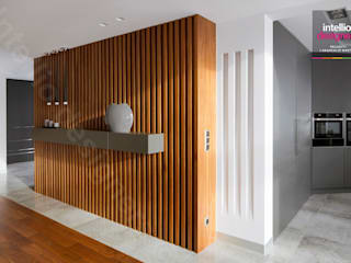 Modern Corridor, Hallway and Staircase by Intellio designers Modern