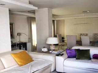Salon classique par Famaser reformas y construcción Classique