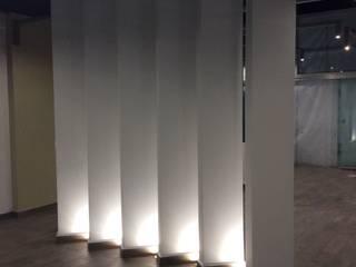 Mueblería Nimbus : Centros Comerciales de estilo  por Ziclos Arquitectos