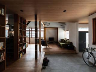 Ingresso & Corridoio in stile  di エイチ・アンド一級建築士事務所 H& Architects & Associates