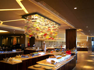 Lighting for Luxury Hotel - Four Seasons in Cyprus トロピカルなホテル の MULTIFORME® lighting トロピカル