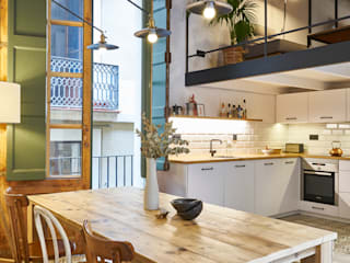 ROSIC APARTMENT Mediterranean style kitchen by Bloomint design Mediterranean