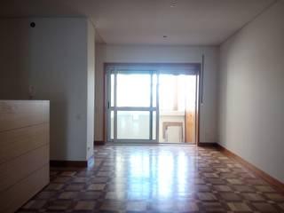 Sala: Salas de estar  por João Oliveira, arquitecto