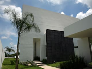 Casa Mactumacza JC Arquitectos Garajes modernos