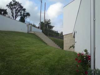 Acesso pedonal: Escadas  por João Oliveira, arquitecto