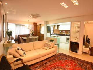 Гостиная в . Автор – ANE DE CONTO  arq. + interiores, Модерн