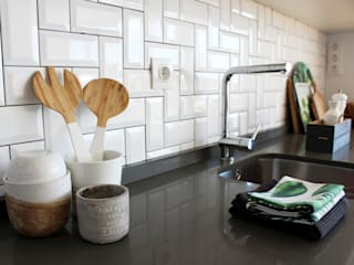 Detalhes da bancada da cozinha : Cozinhas  por Rima Design,Escandinavo