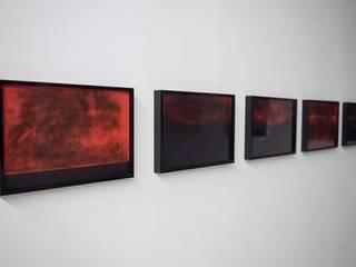 """Scénographie exposition """"Puis la nuit tombe"""" Thomas Dellys Lieux d'événements minimalistes Bois"""