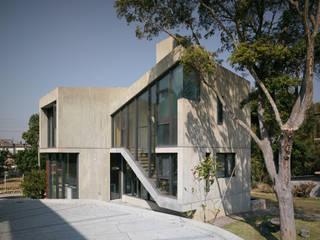 Moderne Häuser von 形構設計 Morpho-Design Modern
