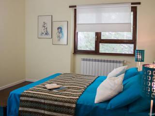 Home Staging su vuoto in signorile appartamento a ROMA:  in stile  di Creattiva Home ReDesigner  - Consulente d'immagine immobiliare