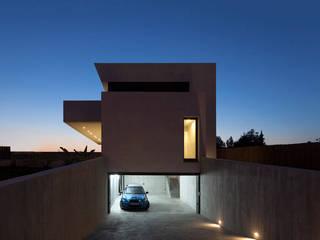 Case in stile  di Mano de santo - Equipo de Arquitectura