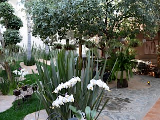 Garden by ULC, Modern