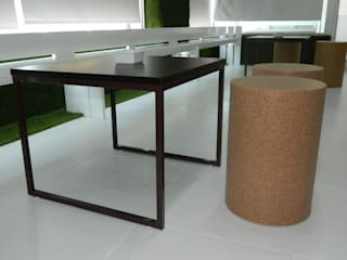 mobiliário de CORTIÇA:   por DHPRO,Minimalista