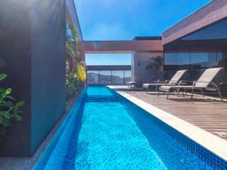 ZAAV Arquitetura モダンスタイルの プール