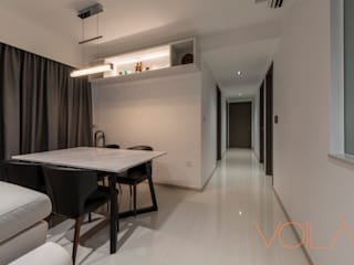 27 Anchorvale Crescent, Bellewaters:  Corridor, hallway by VOILÀ Pte Ltd