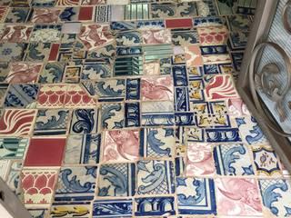Patchwork azulejar: Lojas e espaços comerciais  por Inês Florindo Lopes