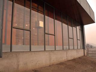 Escaleras de estilo  por m2 estudio arquitectos - Santiago, Minimalista