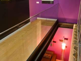 Apartamento em Algés Corredores, halls e escadas modernos por Nuno Ladeiro, Arquitetura e Design Moderno