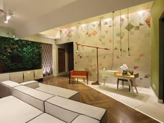 Ingresso & Corridoio in stile  di Ricardo Leão Arquitetura