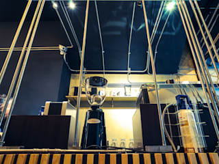 High-Tech _ Lofting Coffee _ Inside_D 根據 泫工所構築設計研究室 工業風