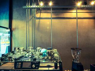 High-Tech _ Lofting Coffee _ Inside_F 根據 泫工所構築設計研究室 工業風