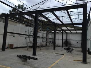 Laboratorios de Ingeniería Fab Lab Universidad de la Sabana Bodegas de estilo industrial de Corte Verde SAS Industrial