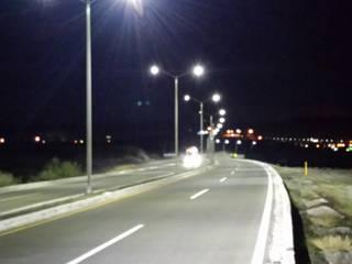 Pusat Eksibisi Gaya Industrial Oleh COMERCIALIZADORA BIOILUMINACIÓN SA DE CV Industrial