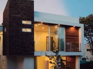 CASA EL CIELO: Casas de estilo minimalista por COMERCIALIZADORA BIOILUMINACIÓN SA DE CV