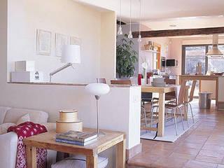 Iluminacion de hogares: Comedores de estilo  de Cenflor Iluminacion Lamparas Valencia Leds