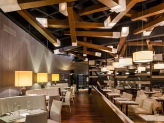 casa club de golf grand coral riviera maya: Comedores de estilo  por Daniel Cota Arquitectura | Despacho de arquitectos | Cancún
