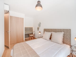 Apartamento T3 Graça - Lisboa: Quartos  por EU LISBOA