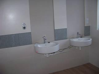 dwie umywalki: styl , w kategorii Łazienka zaprojektowany przez ABC Remonty Oleba