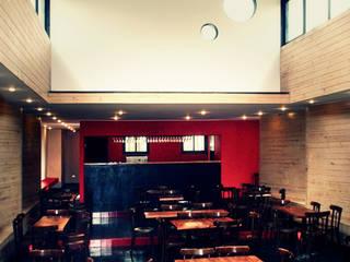 Restaurant Algarrobo: Comedores de estilo mediterraneo por m2 estudio arquitectos