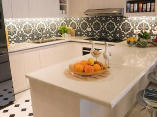Cucina in stile classico di Stone Depot Classico
