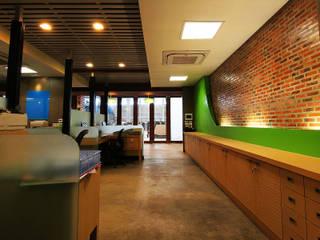 KSG Office Pilaster Studio Design อาคารสำนักงาน