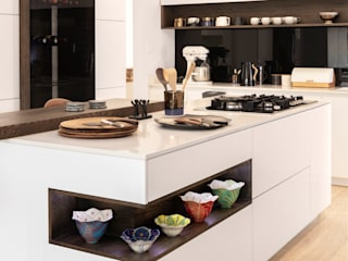 Modernist/ Minimalist Kitchen Deborah Garth Interior Design International (Pty)Ltd Built-in kitchens Quartz White