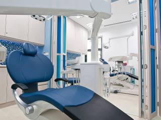"""ฺ'By the Sea"""" dental clinic Pilaster Studio Design"""