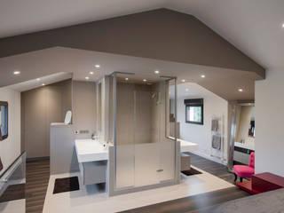 Rénovation maison Lyon réHome Salle de bain moderne Gris