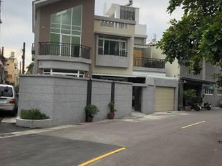 建物外觀:  別墅 by 艾莉森 空間設計