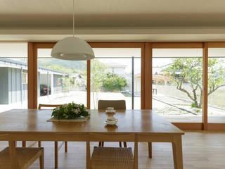 L字の家: toki Architect design officeが手掛けたダイニングです。