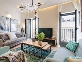 Reforma integral de la vivienda de Nadav Salones de estilo moderno de Rez estudio Moderno