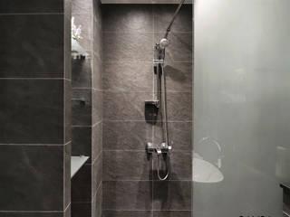 Moderne Badezimmer von 디자인담다 Modern