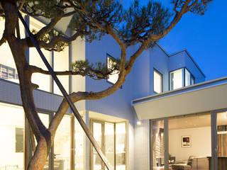 SF Residence: ヒココニシアーキテクチュア株式会社が手掛けた家です。