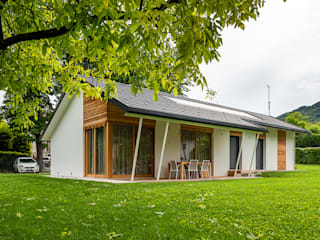 Woodbau Srl Prefabricated homes: Design ideas, inspiration & pictures Wood White
