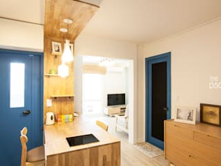 블루, 소프트 블루로 캐주얼한 15평 아파트 인테리어: 더디자인 the dsgn의  다이닝 룸