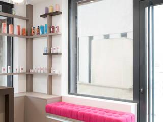Rénovation d'un institut de beauté réHome Locaux commerciaux & Magasin minimalistes